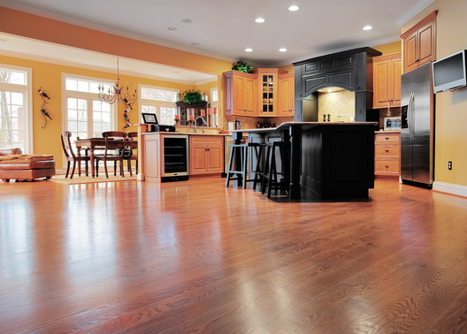 laminate flooring or hardwood flooring which is right for you Laminate Flooring or Hardwood Flooring   Which Is Right For You?